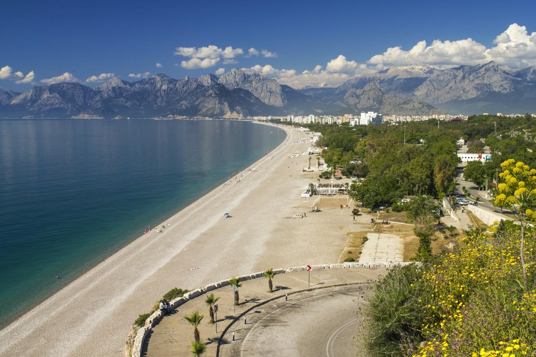 Blick auf Strand von Antalya Türkei