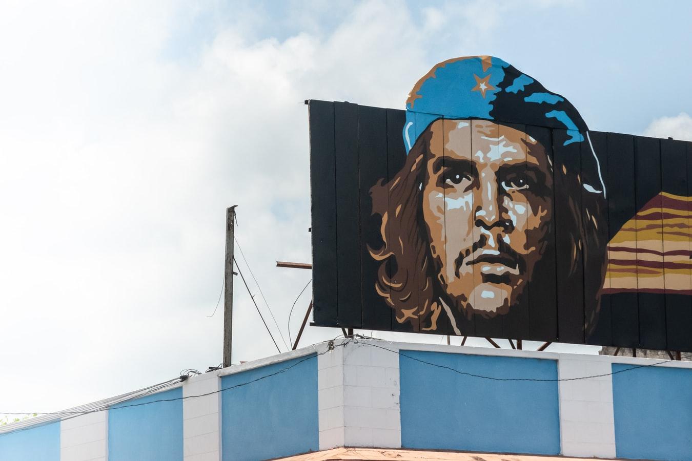 Propaganda mit Che Guevara in Cienfuegos Kuba