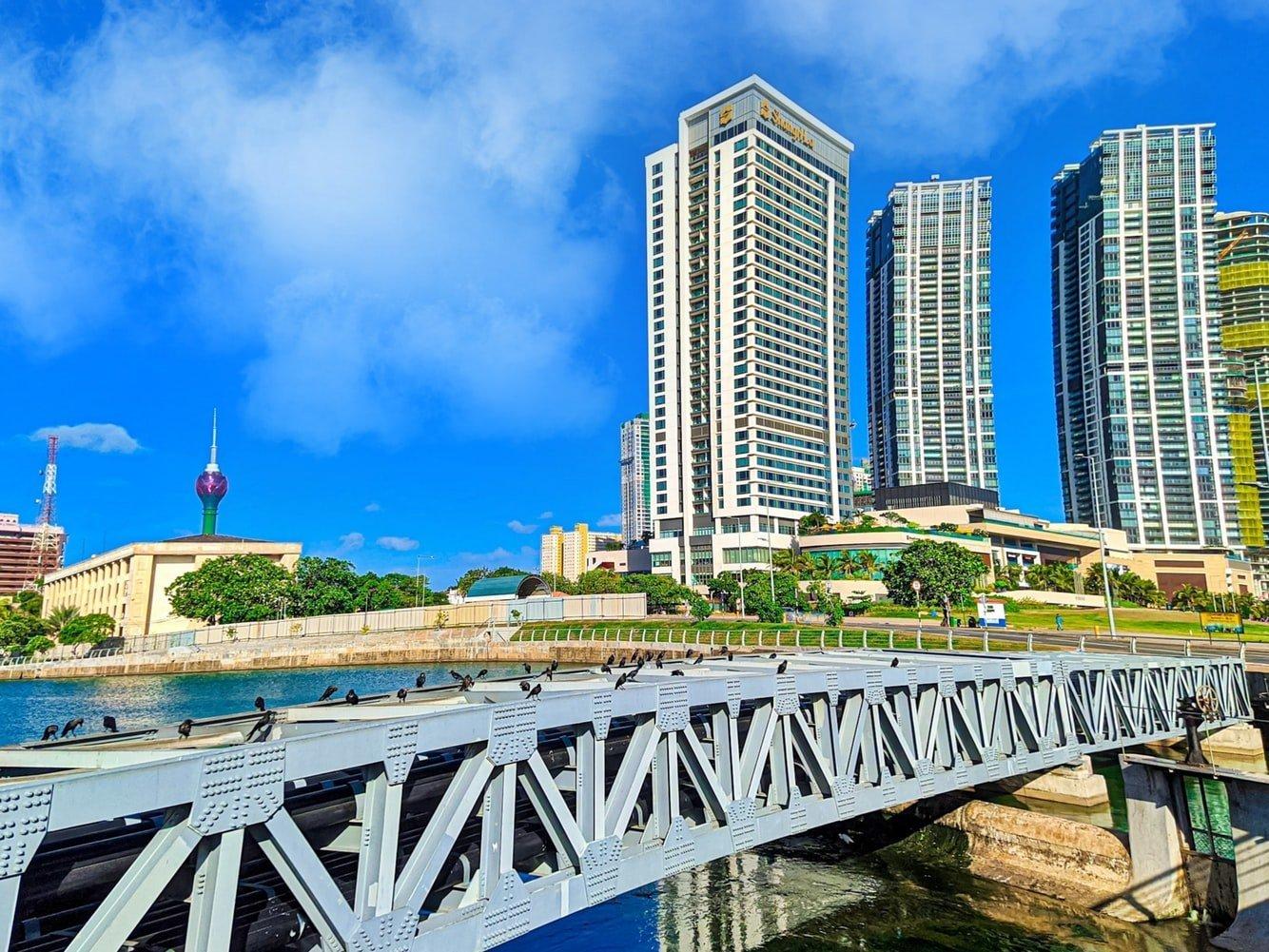 Green Tower und Skyline von Colombo Sri Lanka
