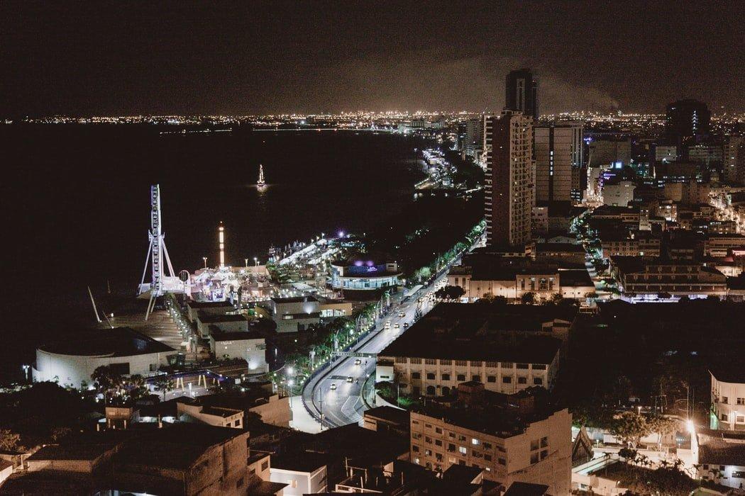 Guayaquil bei Nacht