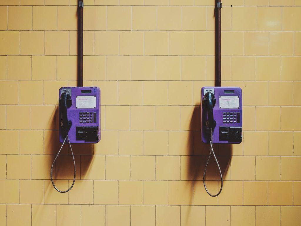 Altmodische öffentliche Telefone