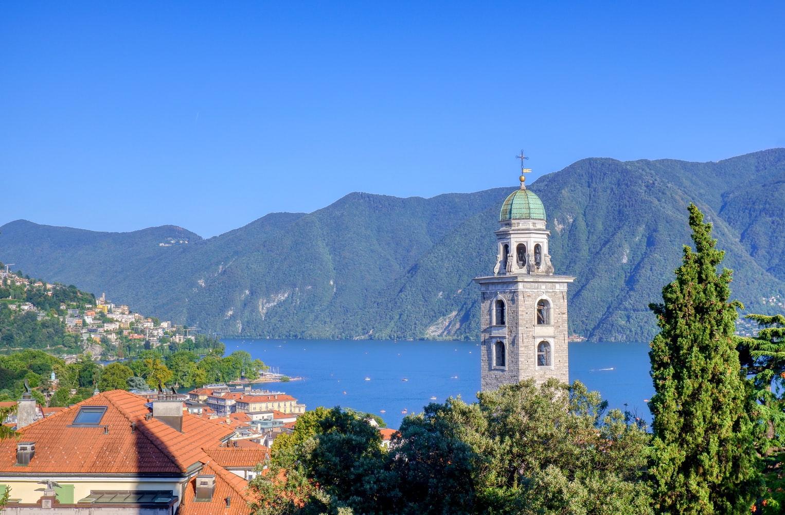 Blick über die Dächer von Lugano Schweiz