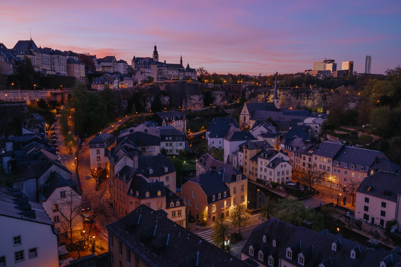 Stadtansicht von Luxemburg im Sonnenuntergang