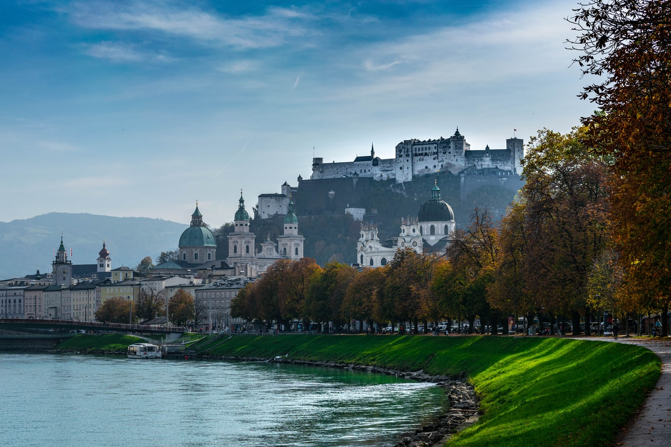 Blick über den Inn auf Salzburg Österreich