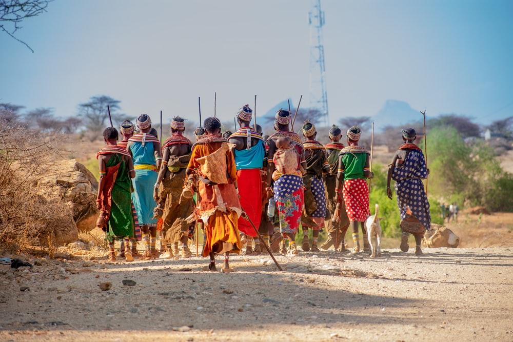 Samburu in traditioneller Kleidung in Kenia