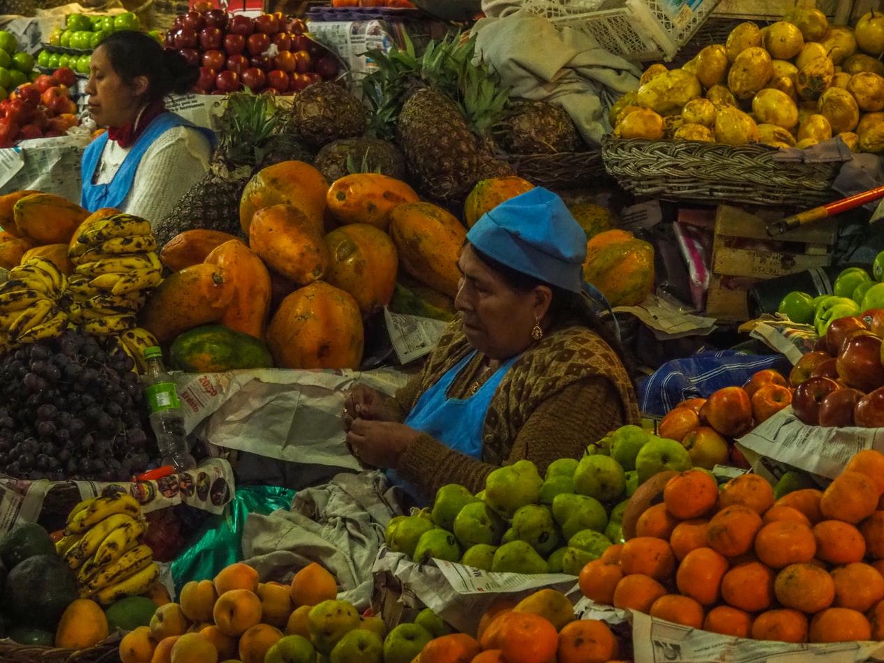 Marktfrau auf dem Mercado Central in Bolivien
